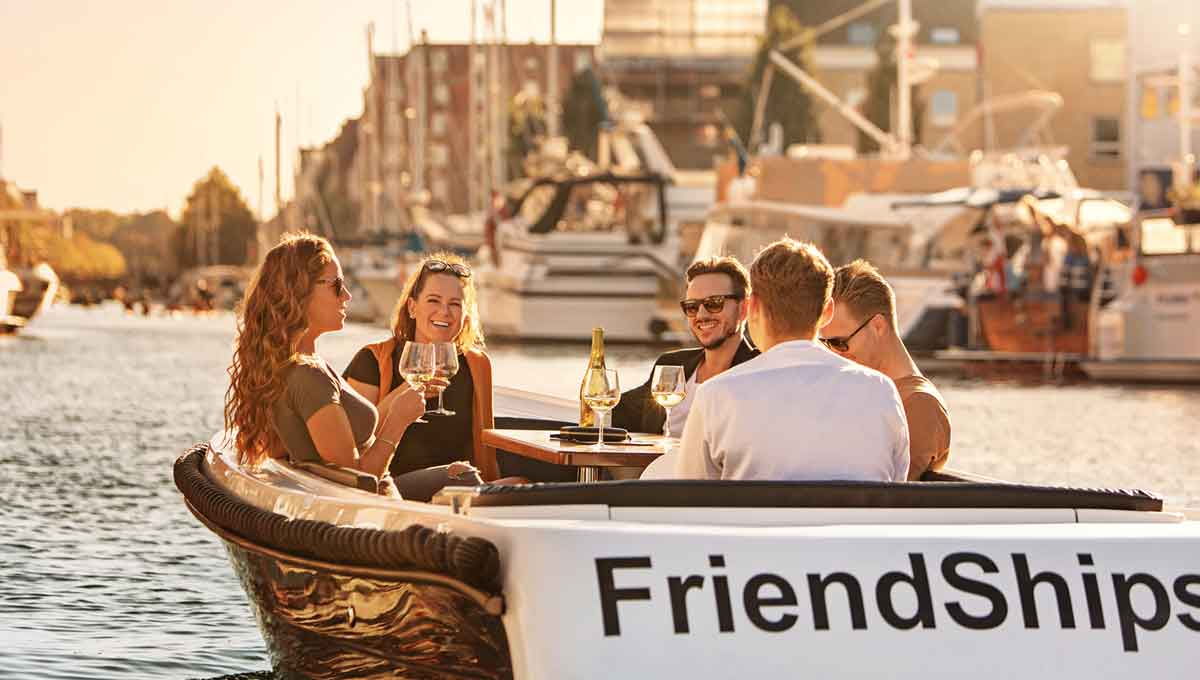 FriendShips_Events_boat_rental